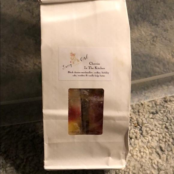 Sassy Girl Aroma Cherries In The Kitchen Wax